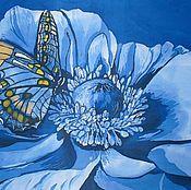 Батик панно «Бабочка на синем цветке» на шелке