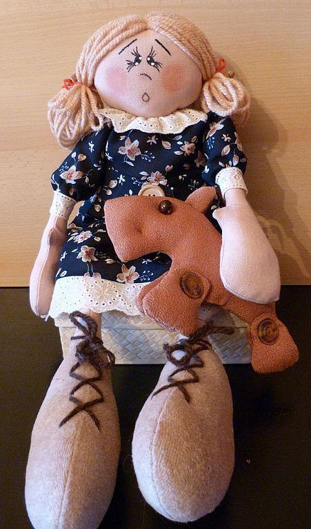 Человечки ручной работы. Ярмарка Мастеров - ручная работа. Купить Кукла с собачкой. Handmade. Текстильная кукла, подарок девушке, лён