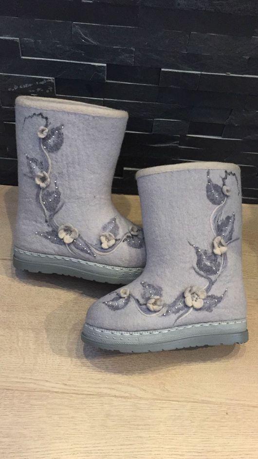 """Обувь ручной работы. Ярмарка Мастеров - ручная работа. Купить Валенки детские """"Адель"""". Handmade. Серый, детская обувь, бисер"""