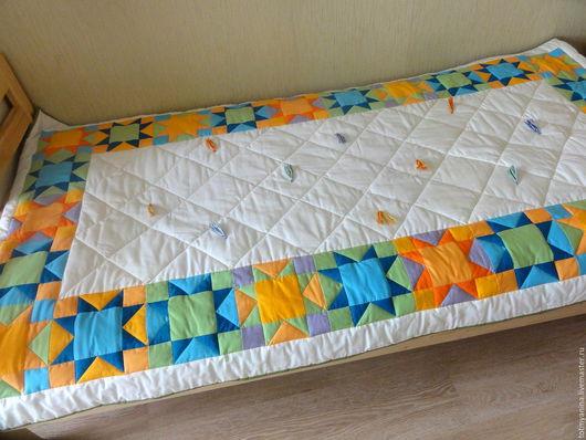 Пледы и одеяла ручной работы. Ярмарка Мастеров - ручная работа. Купить Лоскутное покрывало в детскую Звезды. Handmade. Комбинированный, молочный