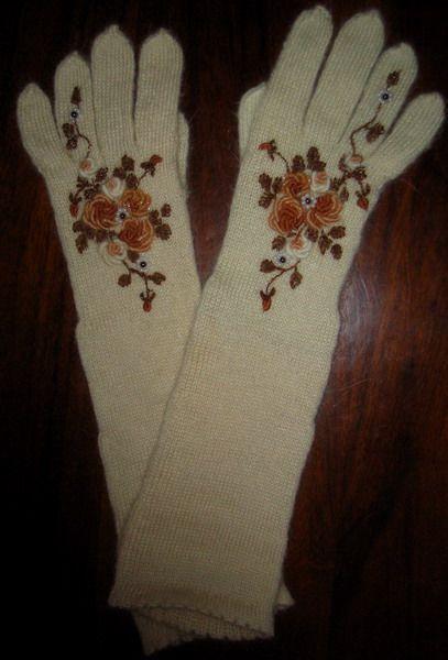 """Варежки, митенки, перчатки ручной работы. Ярмарка Мастеров - ручная работа. Купить """"Ностальгия"""". Handmade. Белый, вышитые розы, мохер"""