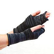 Аксессуары ручной работы. Ярмарка Мастеров - ручная работа Митенки вязаные женские мужские перчатки без пальцев черные серые. Handmade.