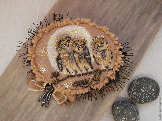 Броши ручной работы. Ярмарка Мастеров - ручная работа. Купить Брошь Три совы. Handmade. Бежевый, брошь, рафия