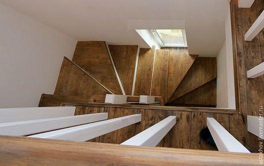 лестница на заказ из дерева для примера вид сверху