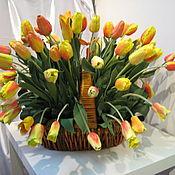 Цветы и флористика ручной работы. Ярмарка Мастеров - ручная работа корзина тюльпанов. Handmade.