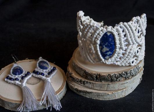 Комплекты украшений ручной работы. Ярмарка Мастеров - ручная работа. Купить Белый браслет и серьги макраме с лазуритом Молочная лазурь. Handmade.