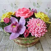 Подарки к праздникам ручной работы. Ярмарка Мастеров - ручная работа Корзинка с цветами, мыло ручной работы. Handmade.