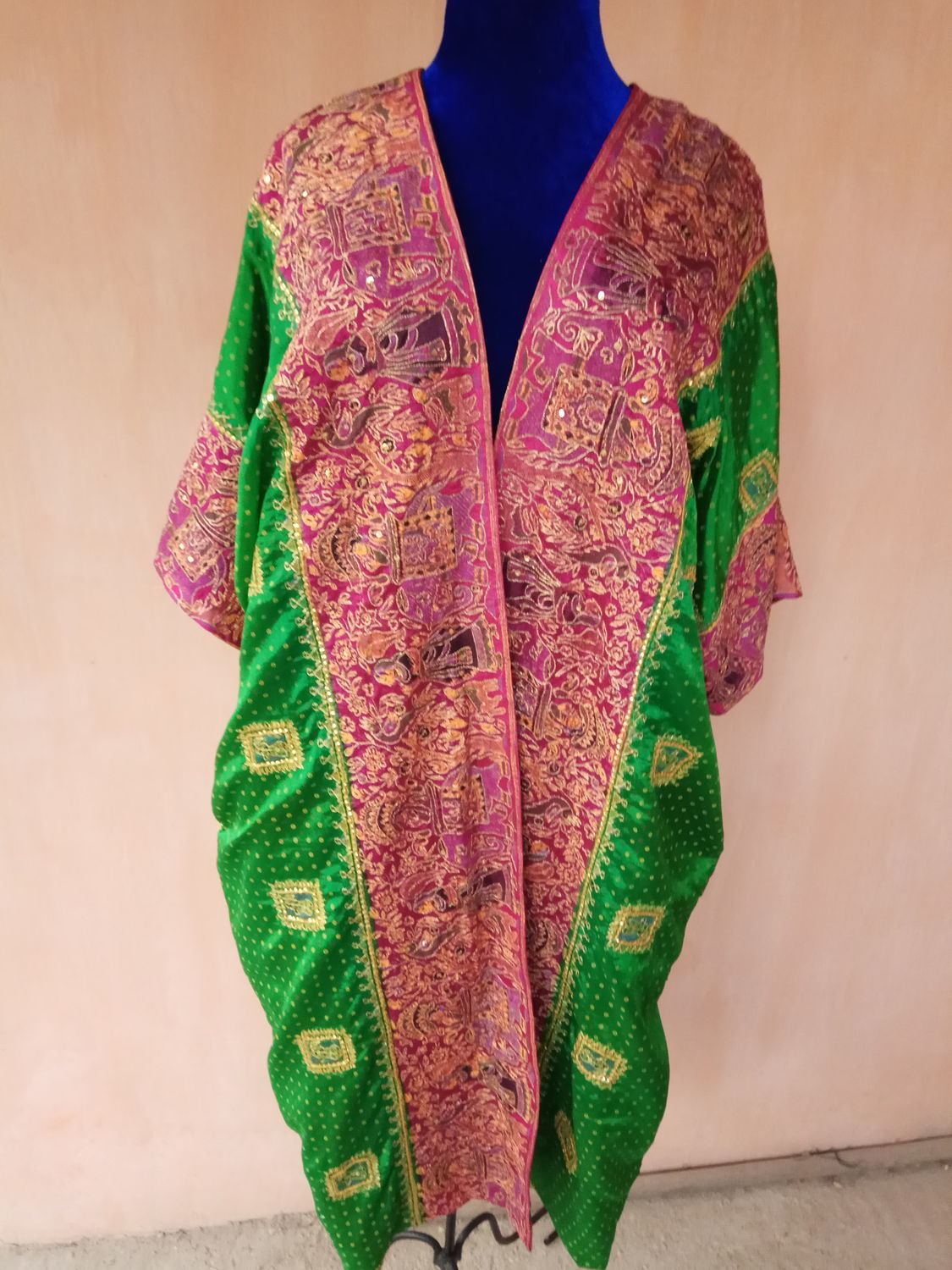 Silk robe with hand embroidery Ethnic motifs, Robes, Odintsovo,  Фото №1