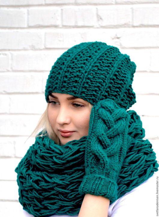 """Комплекты аксессуаров ручной работы. Ярмарка Мастеров - ручная работа. Купить Комплект вязаный шапка и шарф- снуд  """"Зеленый"""". Handmade."""