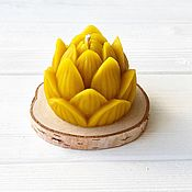 Свечи ручной работы. Ярмарка Мастеров - ручная работа Свеча Лотос из пчелиного воска. Handmade.