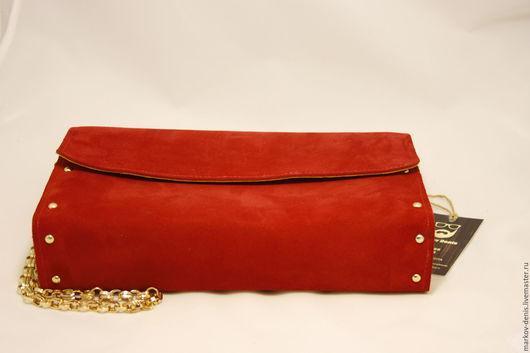 Женские сумки ручной работы. Ярмарка Мастеров - ручная работа. Купить Красная сумка из замши. Handmade. Ярко-красный, дерево