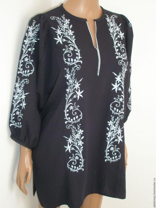"""Блузки ручной работы. Ярмарка Мастеров - ручная работа. Купить блузка """"нежность"""" в темно-синем цвете с голубой вышивкой. Handmade."""