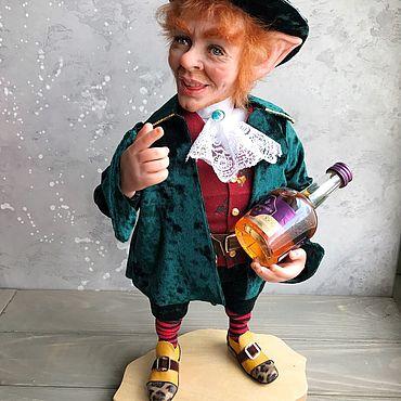 Куклы и игрушки ручной работы. Ярмарка Мастеров - ручная работа Кукла Лепрекон с бутылкой виски. Handmade.