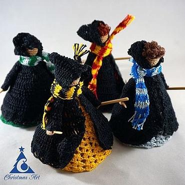 Подарки к праздникам ручной работы. Ярмарка Мастеров - ручная работа Елочная вязаная игрушка волшебник Хогвартс, новогодняя игрушка. Handmade.