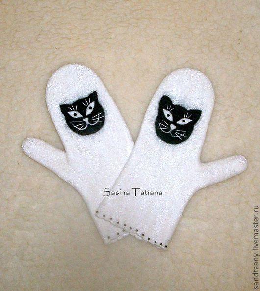 """Варежки, митенки, перчатки ручной работы. Ярмарка Мастеров - ручная работа. Купить Варежки """"Кошка"""". Handmade. Белый, черный кот"""