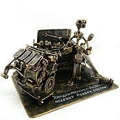 Сувениры и подарки handmade. Livemaster - original item Land Rover Mechanic. Handmade.