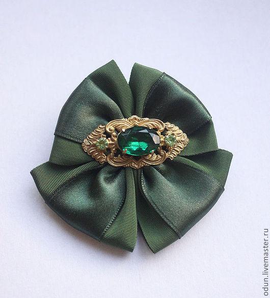"""Броши ручной работы. Ярмарка Мастеров - ручная работа. Купить Брошь """"Изумрудная"""". Handmade. Зеленый, изумрудно-зеленый, латунь, брошь"""