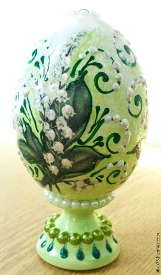 """Подарки на Пасху ручной работы. Ярмарка Мастеров - ручная работа. Купить яйцо деревянное """"Ландыши"""" на подставке. Handmade. Мятный"""