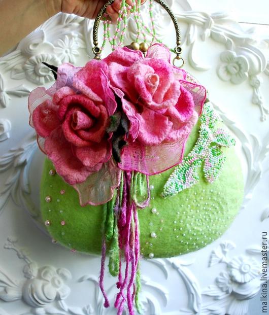 Женские сумки ручной работы. Ярмарка Мастеров - ручная работа. Купить Войлочная сумочка с цветами Салатово-розовая. Handmade. Салатовый