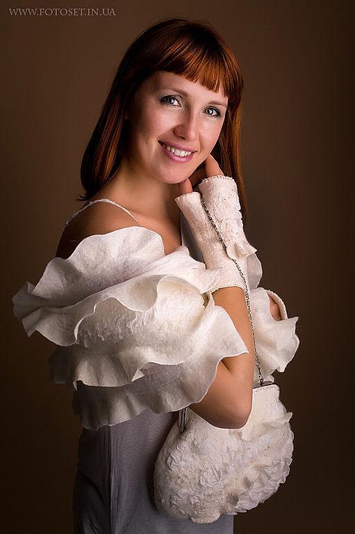 """Одежда и аксессуары ручной работы. Ярмарка Мастеров - ручная работа. Купить """"Белый ангел"""". Handmade. Клатч, валяная сумка"""