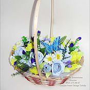 Цветы и флористика ручной работы. Ярмарка Мастеров - ручная работа Корзинка цветов из конфет. Handmade.