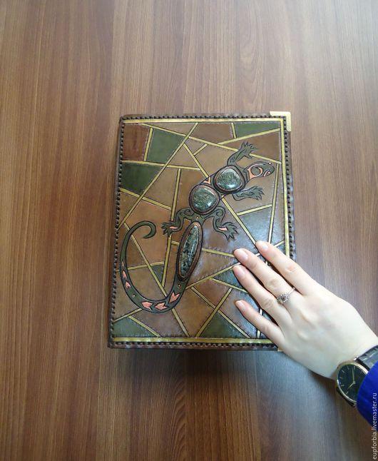 """Блокноты ручной работы. Ярмарка Мастеров - ручная работа. Купить """"Ящерка и солнце"""" блокнот со сменными блоками.. Handmade. змеевик"""