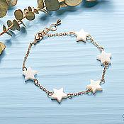 Браслет-цепочка ручной работы. Ярмарка Мастеров - ручная работа Браслет-цепочка с перламутровыми звездочками. Handmade.
