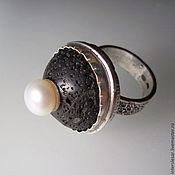 Кольца ручной работы. Ярмарка Мастеров - ручная работа Кольцо с лавой и жемчугом. Handmade.