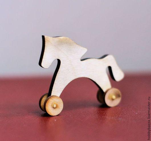 """Чудесная деревянная заготовка """"Лошадка на колесиках."""" отлично подойдет для росписи и декупажа"""
