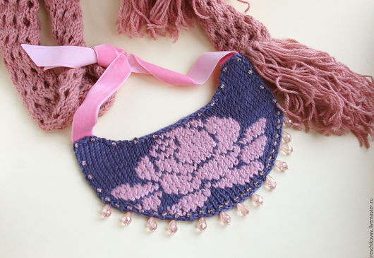 Колье вязаное `Скандинавская роза`  - оригинальное и неповторимое украшения
