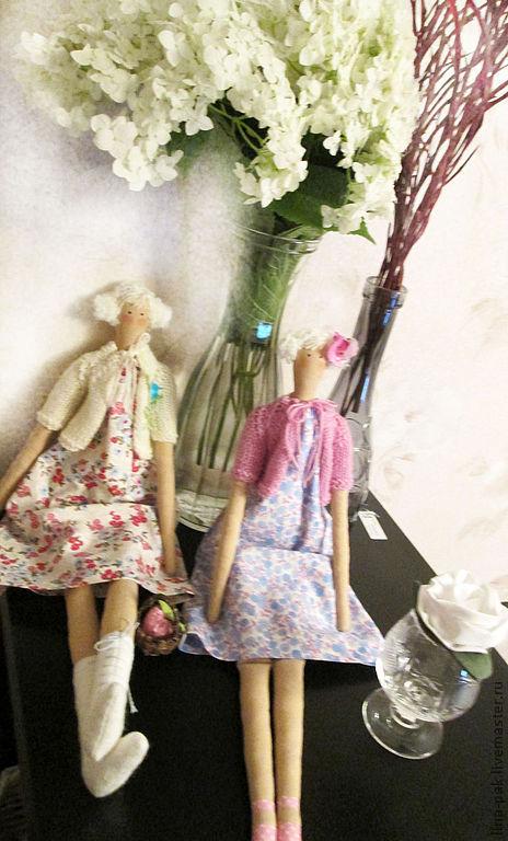 Куклы Тильды ручной работы. Ярмарка Мастеров - ручная работа. Купить Тильда летом. Handmade. Розовый, оригинальный подарок, ирис