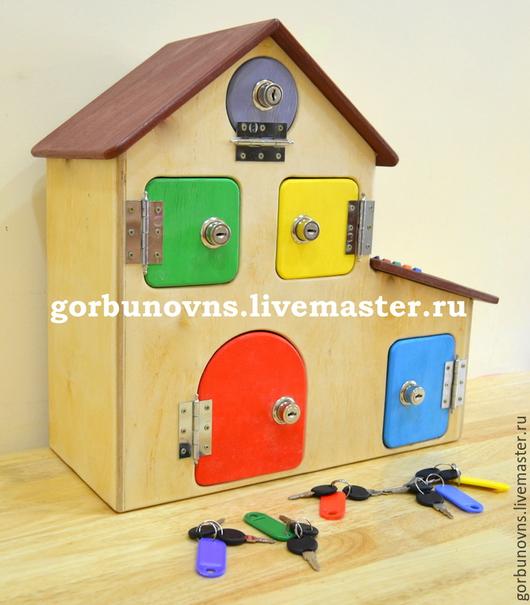 """Развивающие игрушки ручной работы. Ярмарка Мастеров - ручная работа. Купить Развивающий """"Дом с Замочками и Комнатной Подсветкой"""". Handmade. Разноцветный"""
