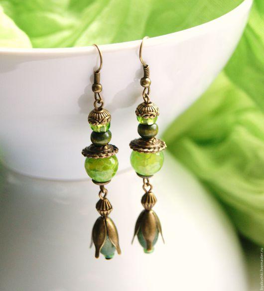 серьги `Зеленый бутон` с  кварцем и деревом