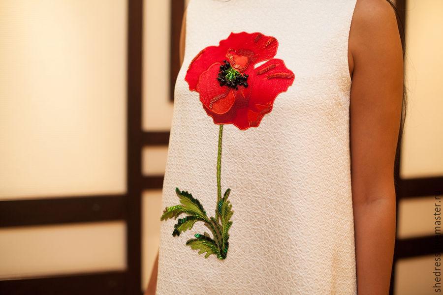 Маки вышивка на платье 800