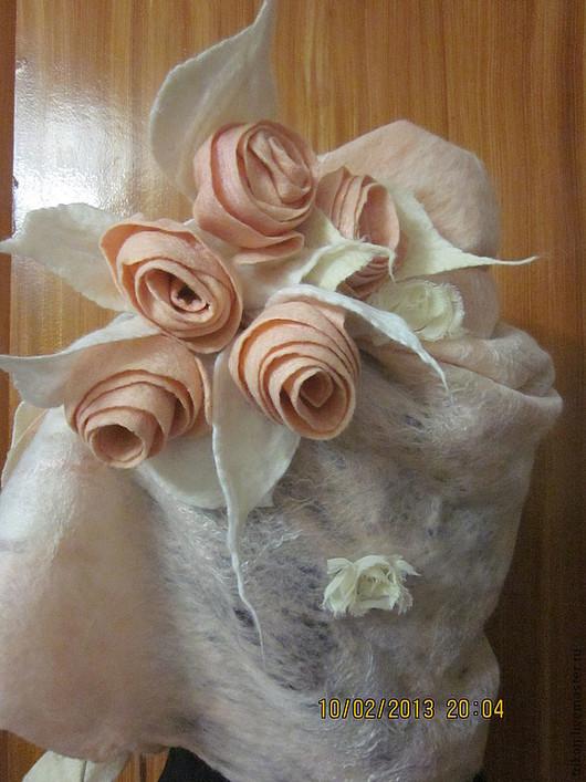 Шали, палантины ручной работы. Ярмарка Мастеров - ручная работа. Купить Розы в Паутинке. Handmade. Бледно-розовый, паутинка