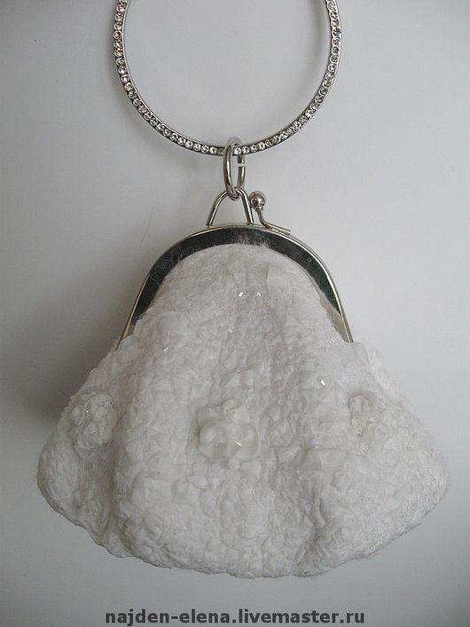 Одежда и аксессуары ручной работы. Ярмарка Мастеров - ручная работа. Купить свадебная сумочка. Handmade. Сумка, подарок на свадьбу, белый