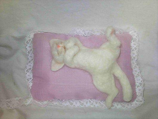 Игрушки животные, ручной работы. Ярмарка Мастеров - ручная работа. Купить кот-соня. Handmade. Шерсть, котенок, полетонкая шерсть