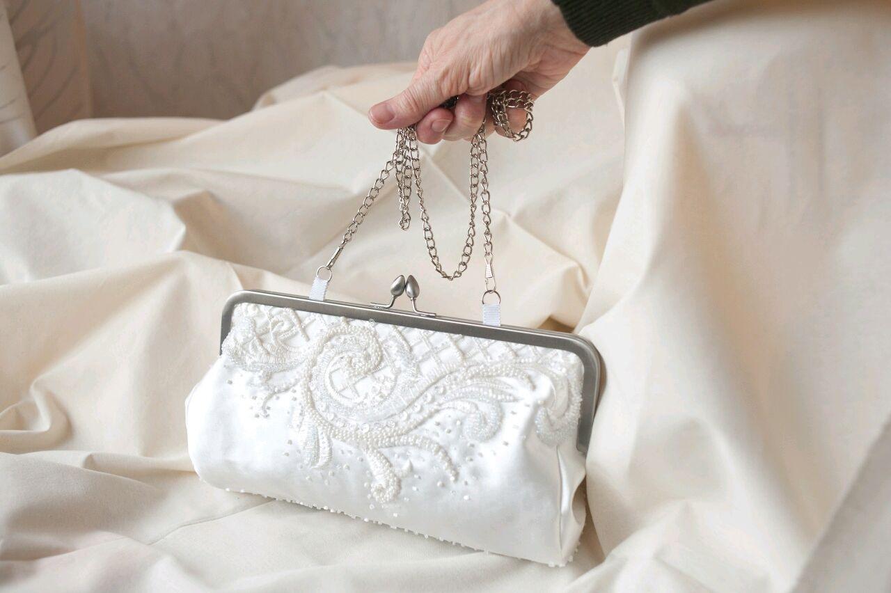 Как сшить фото белой свадебной сумочки