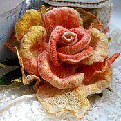Украшения ручной работы. Ярмарка Мастеров - ручная работа Брошь из шерсти и шелка Лимонно-апельсиновая роза. Handmade.