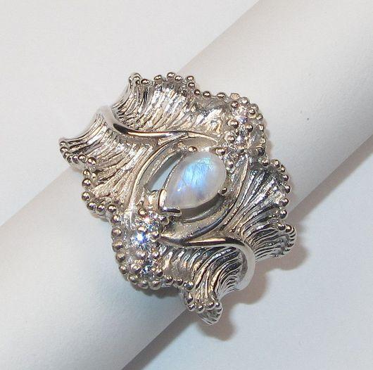 Кольца ручной работы. Ярмарка Мастеров - ручная работа. Купить Кольцо с лунным камнем серебряное. Handmade. Серебряный, кольцо с камнем