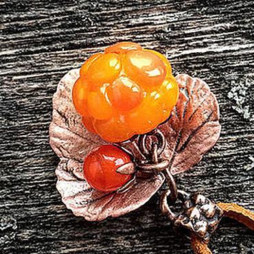 """Украшения ручной работы. Ярмарка Мастеров - ручная работа Кулон lampwork """"Морошка"""" - Rubus chamaemorus - мини-версия. Handmade."""