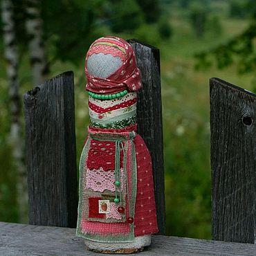 Куклы и игрушки ручной работы. Ярмарка Мастеров - ручная работа Кукла оберег на счастливое замужество Земляничная поляна. Handmade.