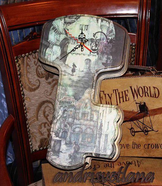 Прихожая ручной работы. Ярмарка Мастеров - ручная работа. Купить Ключница-часы Сказки старого города. Handmade. Ключница, ключницы