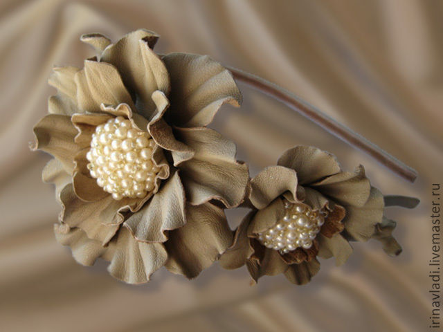 leather flowers,headband with flowers, leather headband with flower, beige hair band, hair Hoop with flower, brooch hairpin made of leather, beige flower leather ,leather brooch