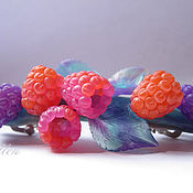 Украшения ручной работы. Ярмарка Мастеров - ручная работа ...Вкус радости...заколка, ягоды, малина. Handmade.