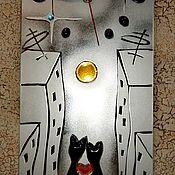 """Часы классические ручной работы. Ярмарка Мастеров - ручная работа Часы: """"Коты в городе"""". Handmade."""
