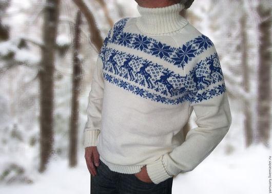 Свитер с оленями в скандинавском стиле стал уже традиционным и желанным Новогодним подарком. Свитер с оленями связан классических цветах,характерных для норвежского узора в современном модном дизайне