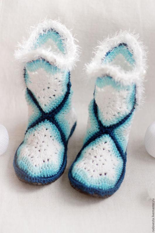 """Обувь ручной работы. Ярмарка Мастеров - ручная работа. Купить Тапочки вязаные """" Тапочки- сапожки"""" тапочки ручной работы. Handmade."""