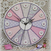 """Часы настенные для рукодельницы """"Пэчворк в пастельных тонах"""""""