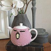 """Грелки на чайник ручной работы. Ярмарка Мастеров - ручная работа Фарфоровый чайник с бархоткой """"Французская камея"""". Handmade."""